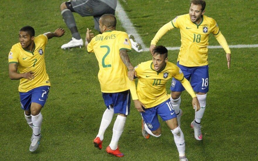"""""""Copa America"""" turnyre – herojus Neymaras ir antausis Kolumbijai"""