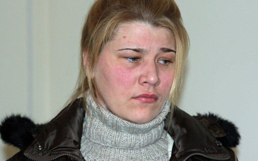 Iš Lukiškių iškelta dar daugiau nuteistųjų iki gyvos galvos: tarp jų – du savo vaikus nužudžiusi Alma Bružaitė