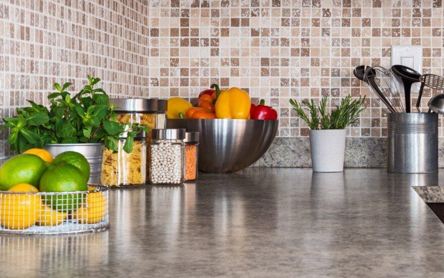 Venkite šių klaidų: 8 įpročiai virtuvėje, kurie tuština jūsų piniginę