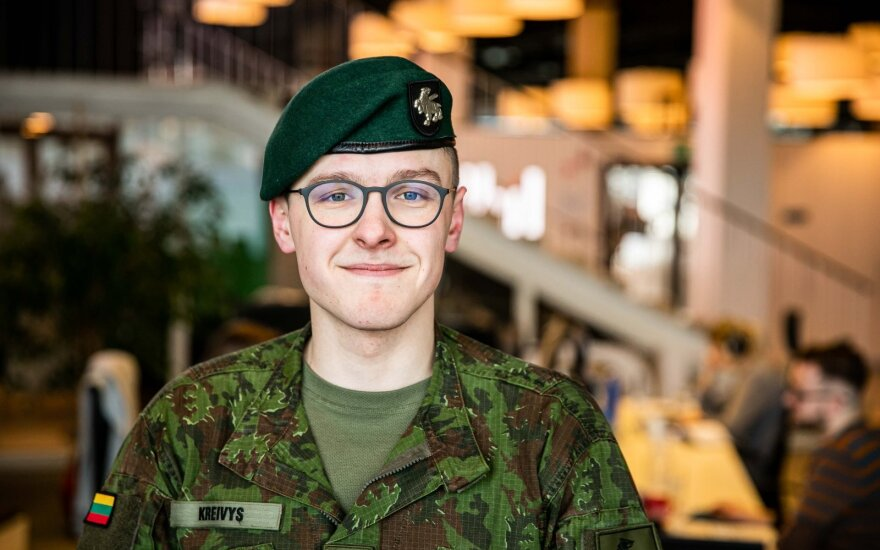 Gerą darbą Londone atidėjo į šalį: grįžo tarnauti į batalioną, kur atsikuriant valstybei tarnavo prosenelis