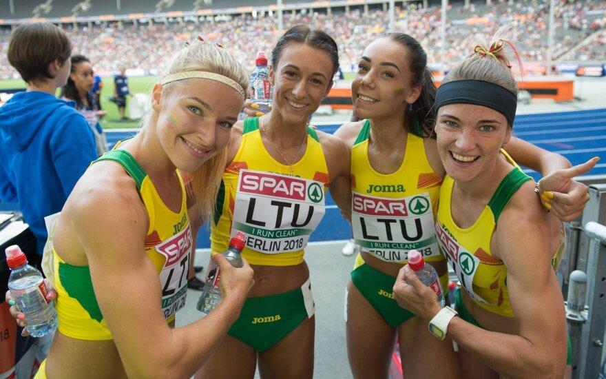 Lietuvos moterų bėgimo estafetės komanda (Erika Krūminaitė – antra iš dešinės)