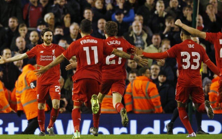 """""""Liverpool"""" futbolininkai džiaugiasi"""