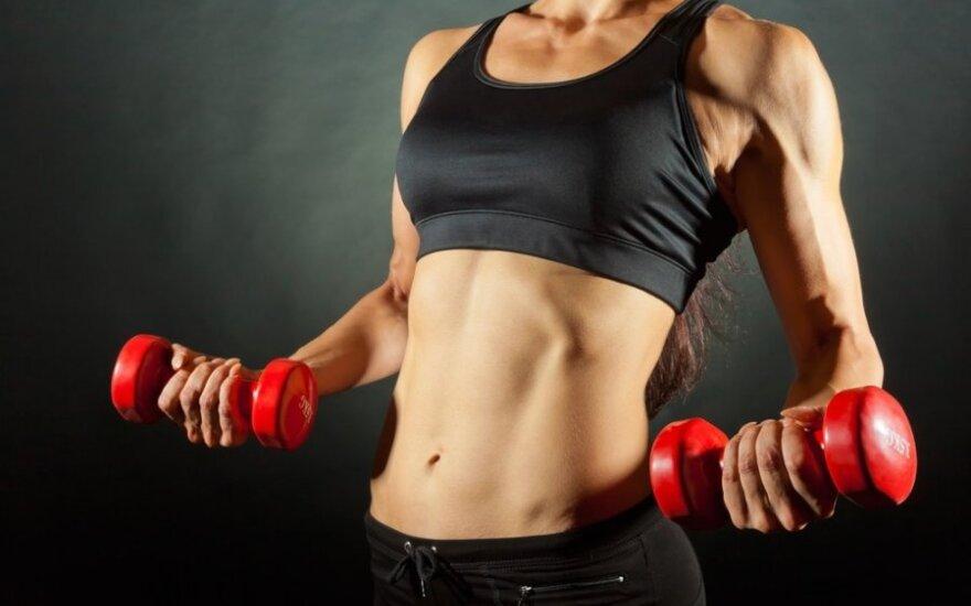 Kodėl moterys bijo jėgos treniruočių?
