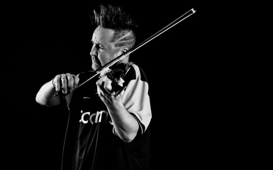 Nigel Kennedy įkvėpusios asmenybės: nuo muzikos grandų iki Lenkijos džiazo gitaristo