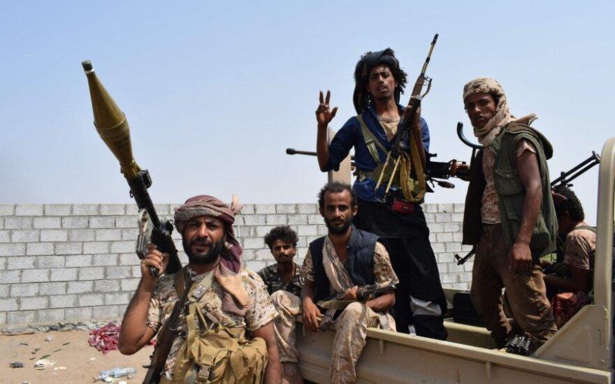 Jemeno vyriausybės pajėgų kovotojai