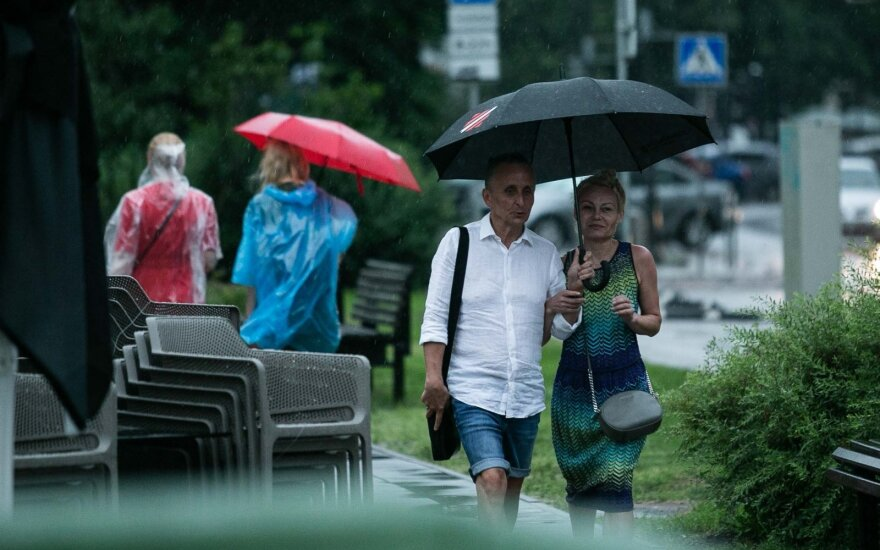 Ruduo kalendoriaus nepažįsta – paskutinės rugpjūčio dienos bus vėsios ir lietingos