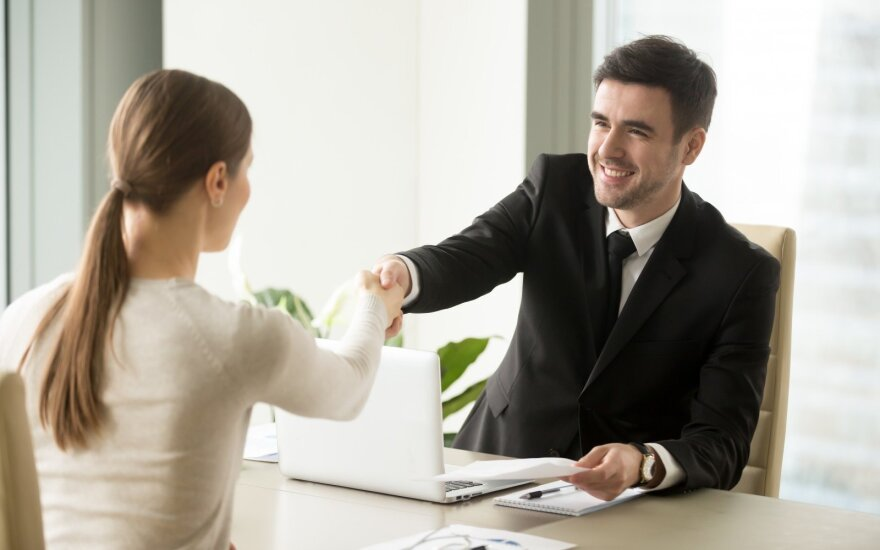 Kokių darbuotojų žvalgosi darbdaviai: būti vienos srities specialistu nebeužtenka
