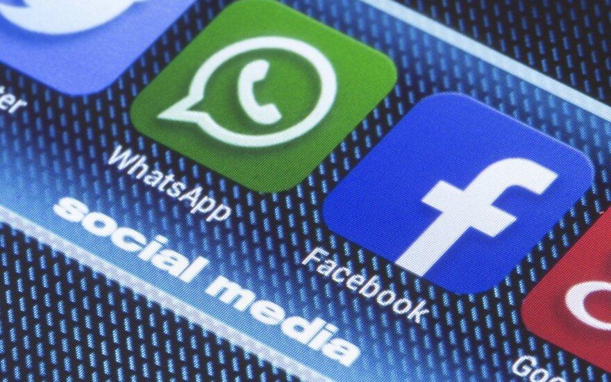 """Nustatė, kaip sukčiauja """"Facebook"""": slapta perduoda jūsų duomenis"""
