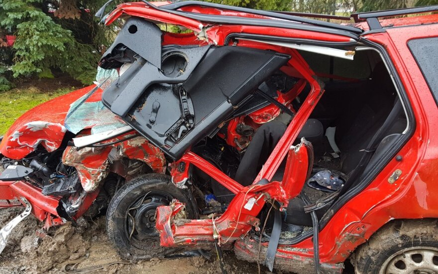 Po šeimą pražudžiusio vairuotojo avarijos Marijampolėje – pirmos išvados