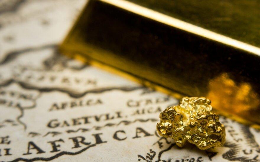 Aukso kainos stabilizavosi ties mažiausiu lygiu per dvi savaites
