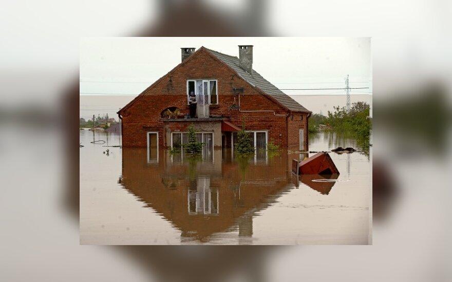 Vagysčių mažėja, bet daugėja ugnies ir vandens sukeltų nelaimių