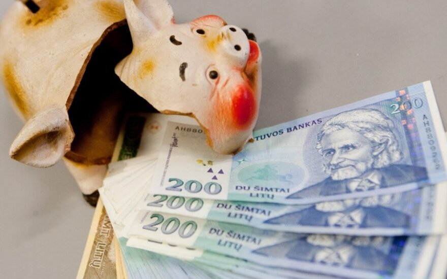Lithuanians take care of their arrears before euro adoption