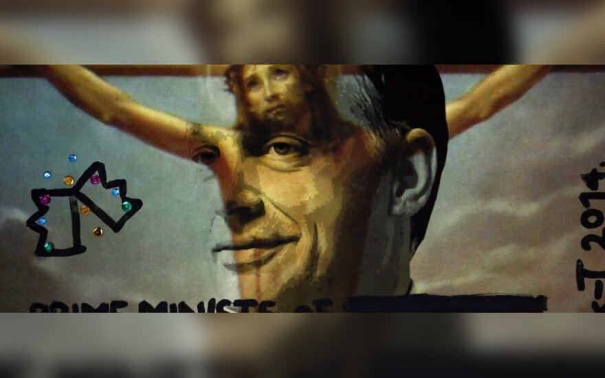 Vengrijoje graibstomi avangardiniai paveikslai, vaizduojantys premjerą V. Orbaną