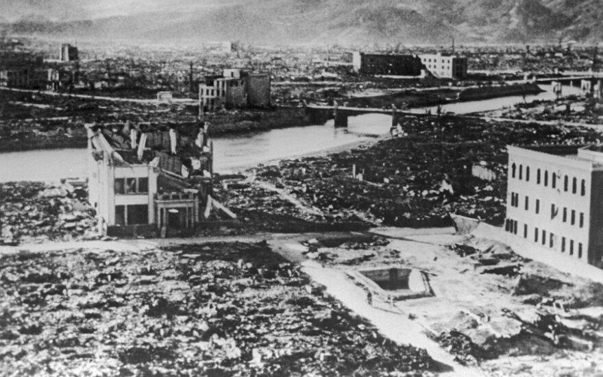 Juokų laikas baigėsi: Š. Korėjos bandymas - 10 kartų galingesnis už Hirošimos bombą