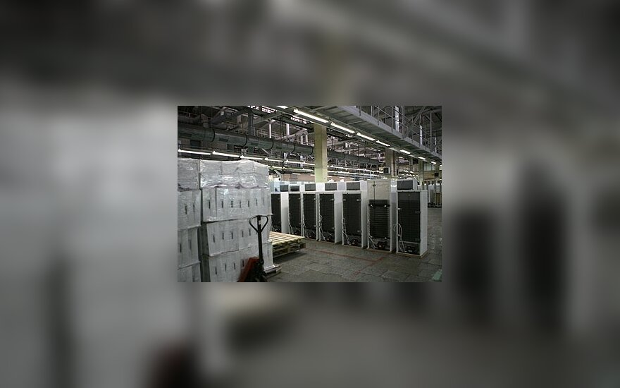 """Atleidžiamiems """"Snaigės"""" darbuotojams siūlomi šaldytuvai"""