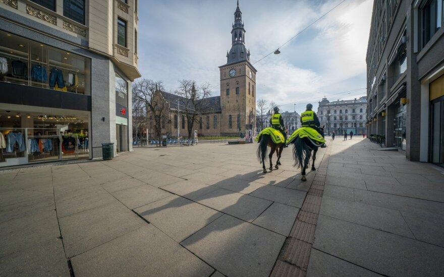 Norvegijos sostinės viešajame transporte raginama dėvėti kaukes