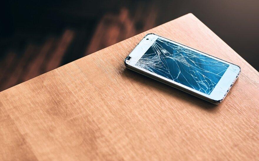 Mažeikių rajone sūnus smurtavo prieš motiną, metė į ją telefoną