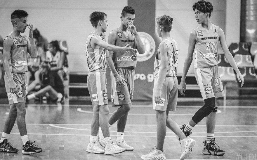 Lietuvos moksleivių krepšinio lyga stabdo savo sezoną