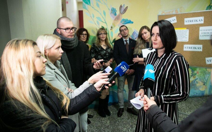 Pedagogų streikai nerimsta, ministrė ir Prezidentūra kviečiasi profsąjungas