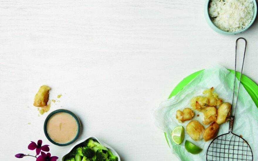 Traškūs žuvies gabalėliai tempura tešloje