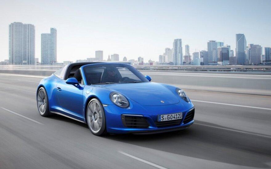 """Skrieja kaltinimai ir """"Porsche"""" vadovams"""