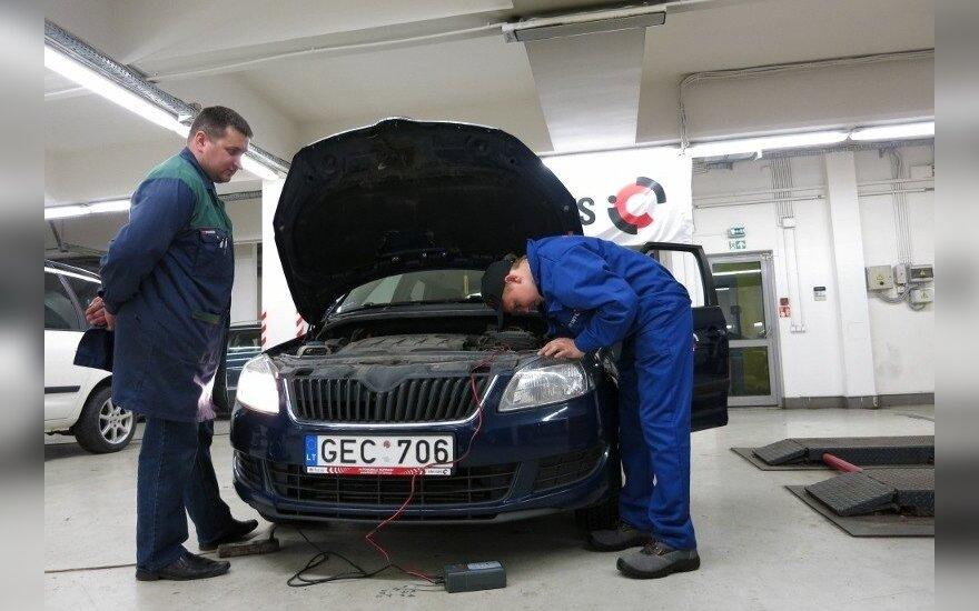 """Konkurso """"Geriausias jaunasis automechanikas 2015"""" finalas"""