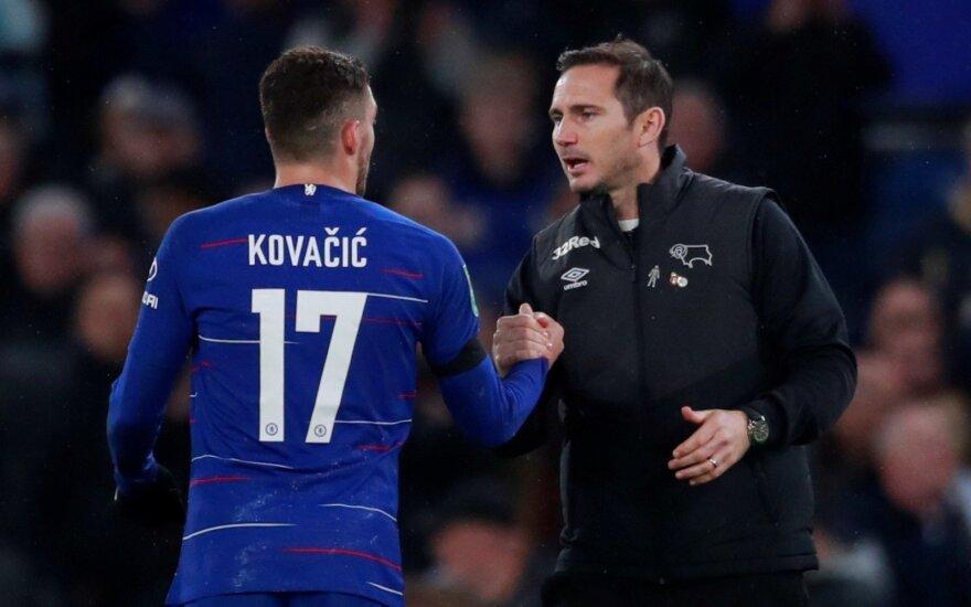 Frankas Lampardas sveikina su pergale Mateo Kovačičių