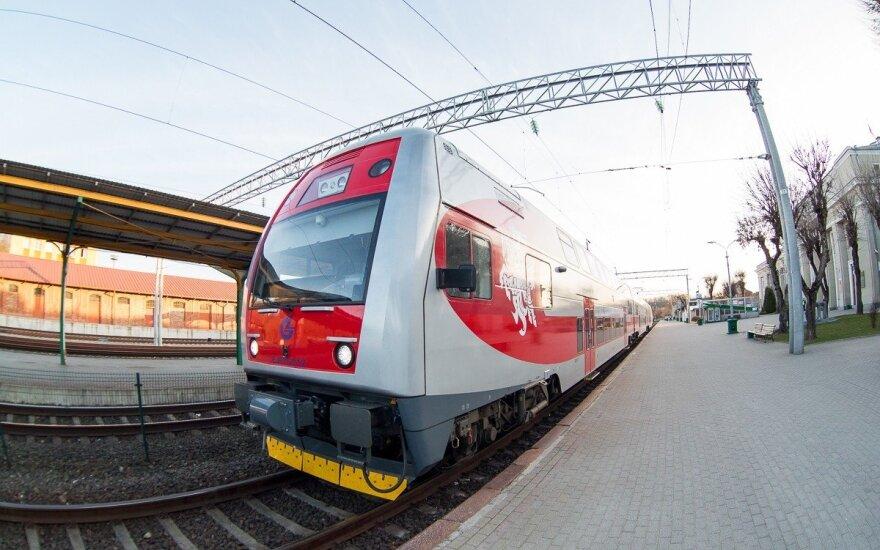 """Baltijos šalių geležinkelius sujungė """"Amber Train"""" maršrutas"""