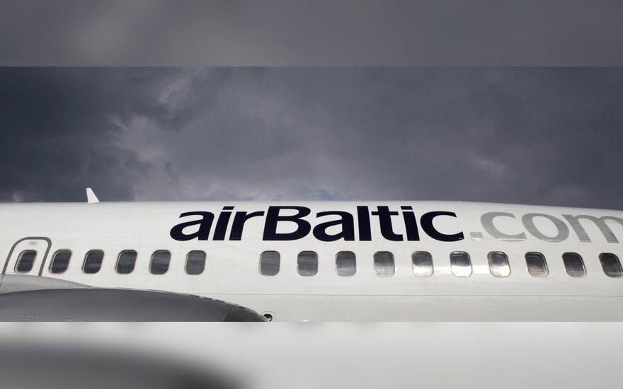 """Pratęsė sutartį su """"airBaltic"""" vadovu"""