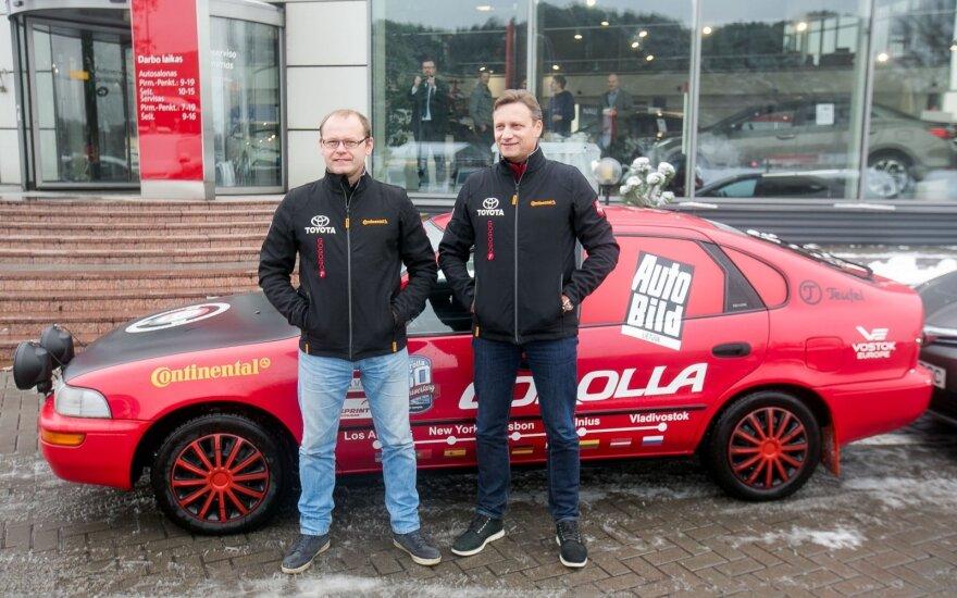 """Aidas Bubinas ir Vitoldas Milius 10135 km įveikė 1993 m. gamybos """"Toyota Corolla"""""""