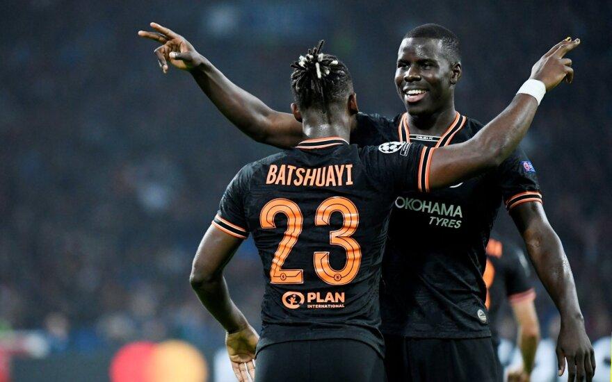 """""""Chelsea"""" futbolininkai džiaugiasi po įvarčio"""