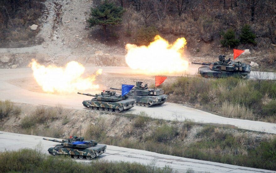 Pietų Korėja pradėjo pratybas, imituojančias gynimąsi nuo Japonijos
