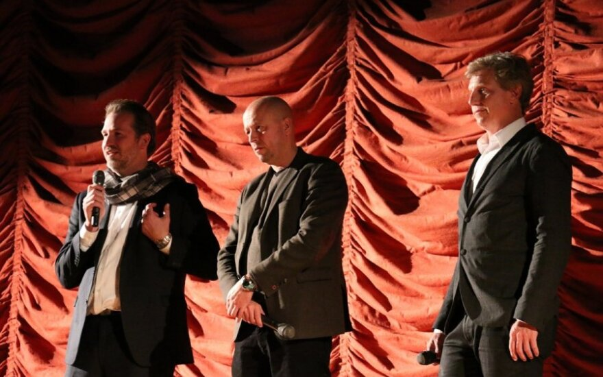 The Invisible Front presented to audiences in Chicago