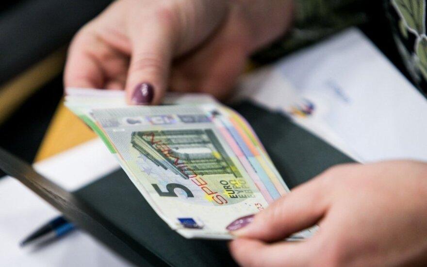 Euro įvedimu susirūpinusi valdžia užsimojo iš peties