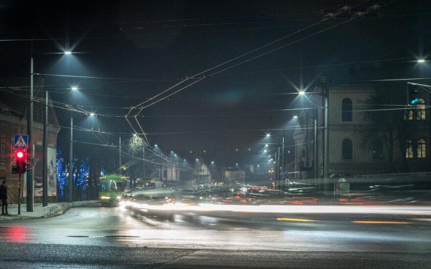 Šviestuvai Birštono gatvėje Kaune
