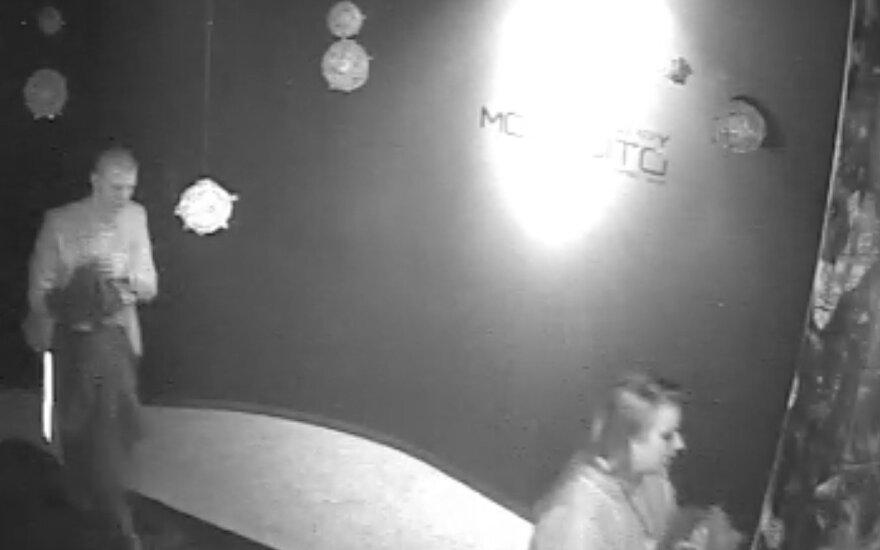 Policija ieško žmonių, galinčių padėti surasti klube dingusius drabužius