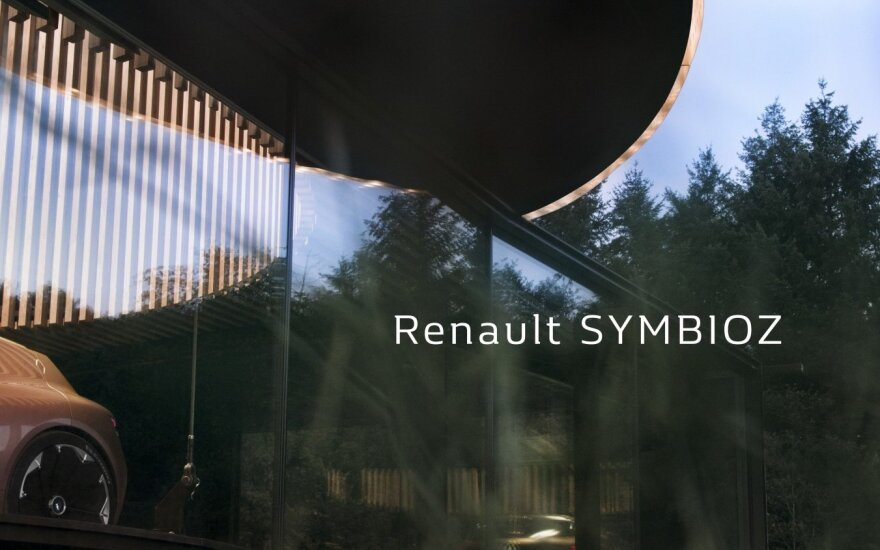 """Kol kas """"Renault"""" pateikia tik tokią koncepcinio """"SymbioZ"""" užuominą"""