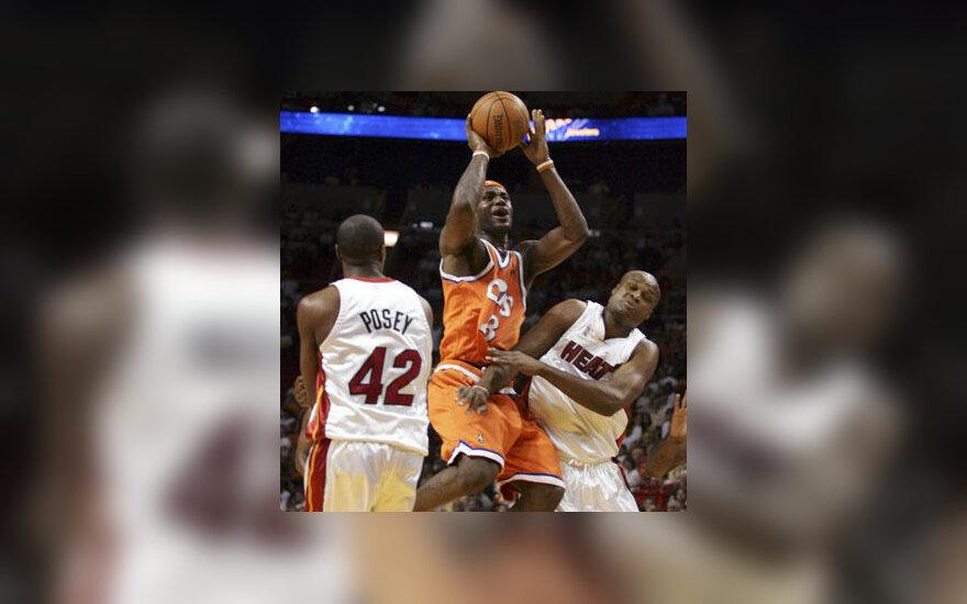 """Majamio """"Heat"""" krepšininkai uždarė LeBroną Jamesą (""""Cavaliers"""") į """"dėžutę"""""""