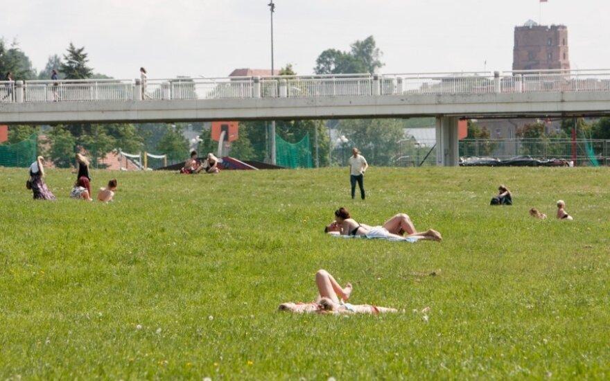 Vilniuje smaginasi iškrypėliai - vienas išvežtas į blaivyklą, kitas pabėgo
