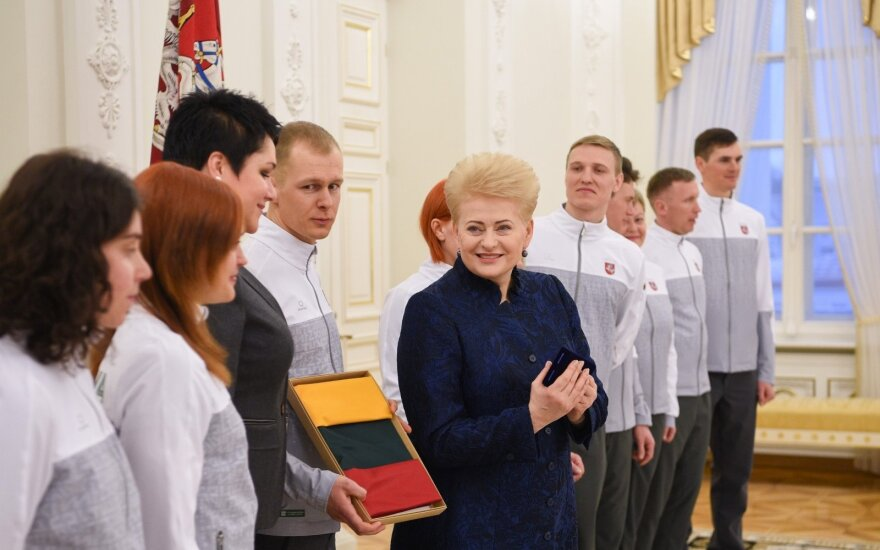 President sees off Lithuanian Winter Olympics team