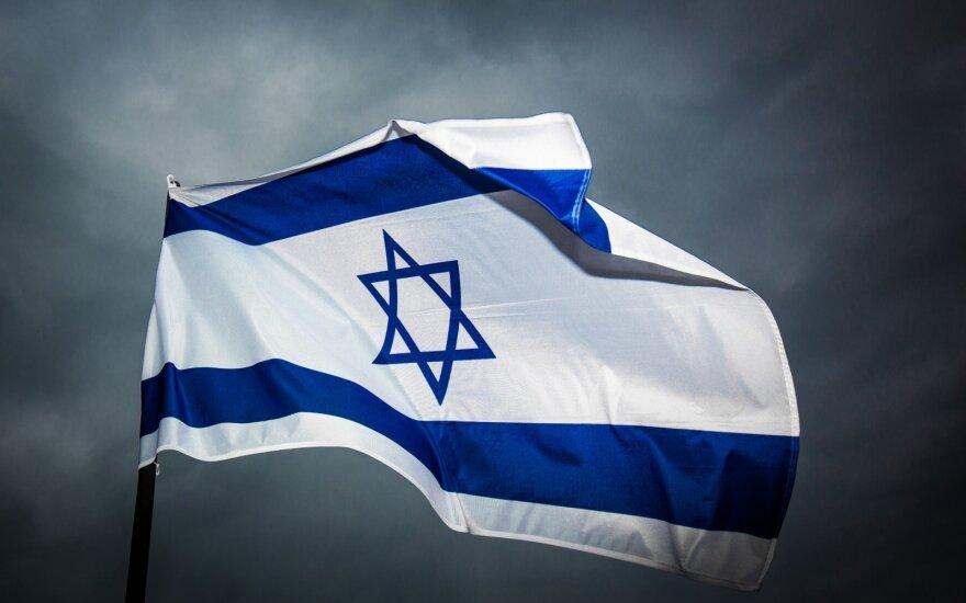 Izraelis oficialiai priėmė pirmą JAE ambasadorių