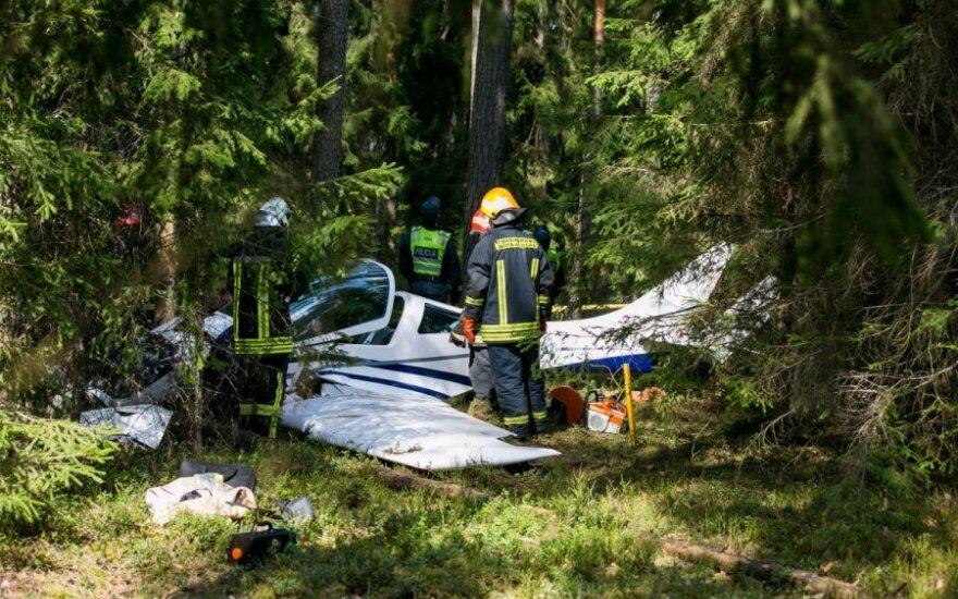 Paluknyje sudužus lėktuvui žuvo Vilniaus įmonės vadovas su sūnumi