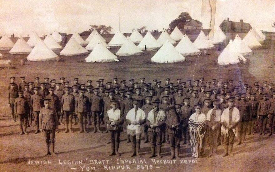 39 bataliono, kuriame tarnavo ir lietuviai, kariai dykumoje