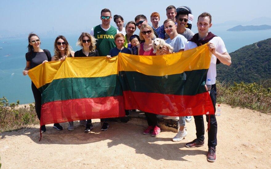 Kovo 11 d. Lietuvą sveikino ir nuo Honkongo viršukalnės