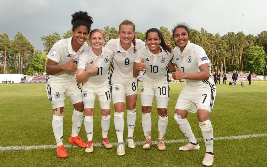 Vokietijos U17 merginų futbolo rinktinės žaidėjos (WU17.lt nuotr.)