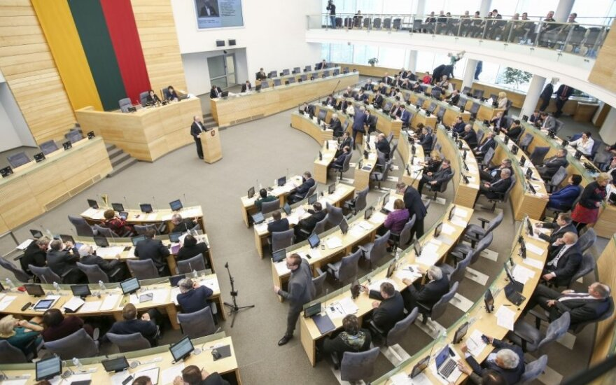 Lithuanian parliament endorses government report