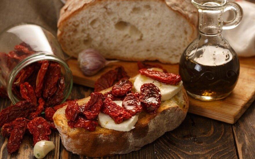 Burnoje tirpstantys sumuštinukai