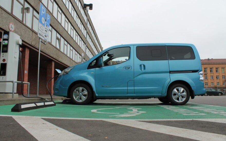 Automagistralėje Vilnius-Klaipėda atsiras dar 9 elektromobilių įkrovimo stotelės