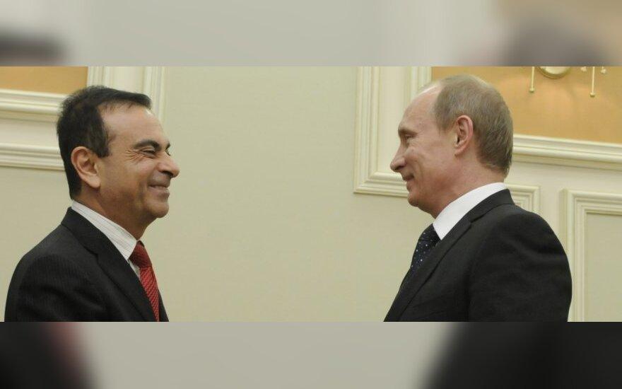 Carlosas Ghosnas (kairėje) ir Vladimiras Putinas