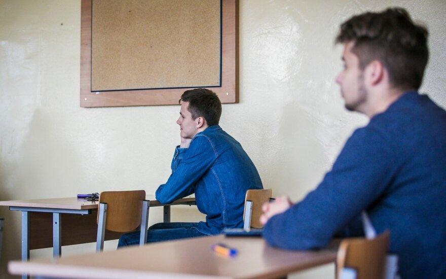 Abiturientai laikys geografijos valstybinį egzaminą